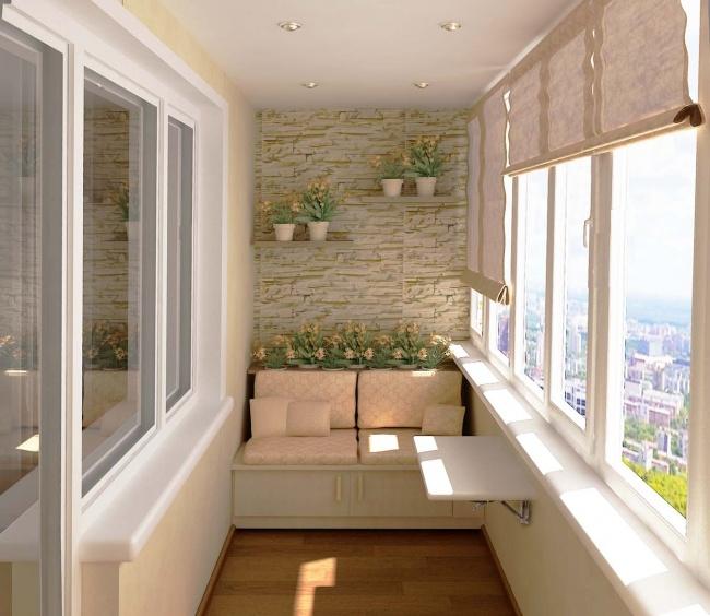 Остекление балконов и лоджий в Калуге, внутренняя отделка с диваном и откидным столиком