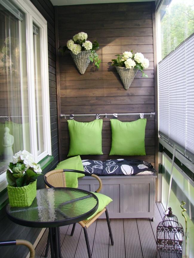 Остекление балконов и лоджий в Калуге, внутренняя отделка терасной доской и деревом