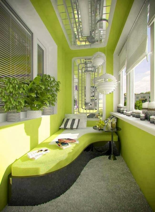 Остекление балконов и лоджий в Калуге, внутренняя отделка с диваном